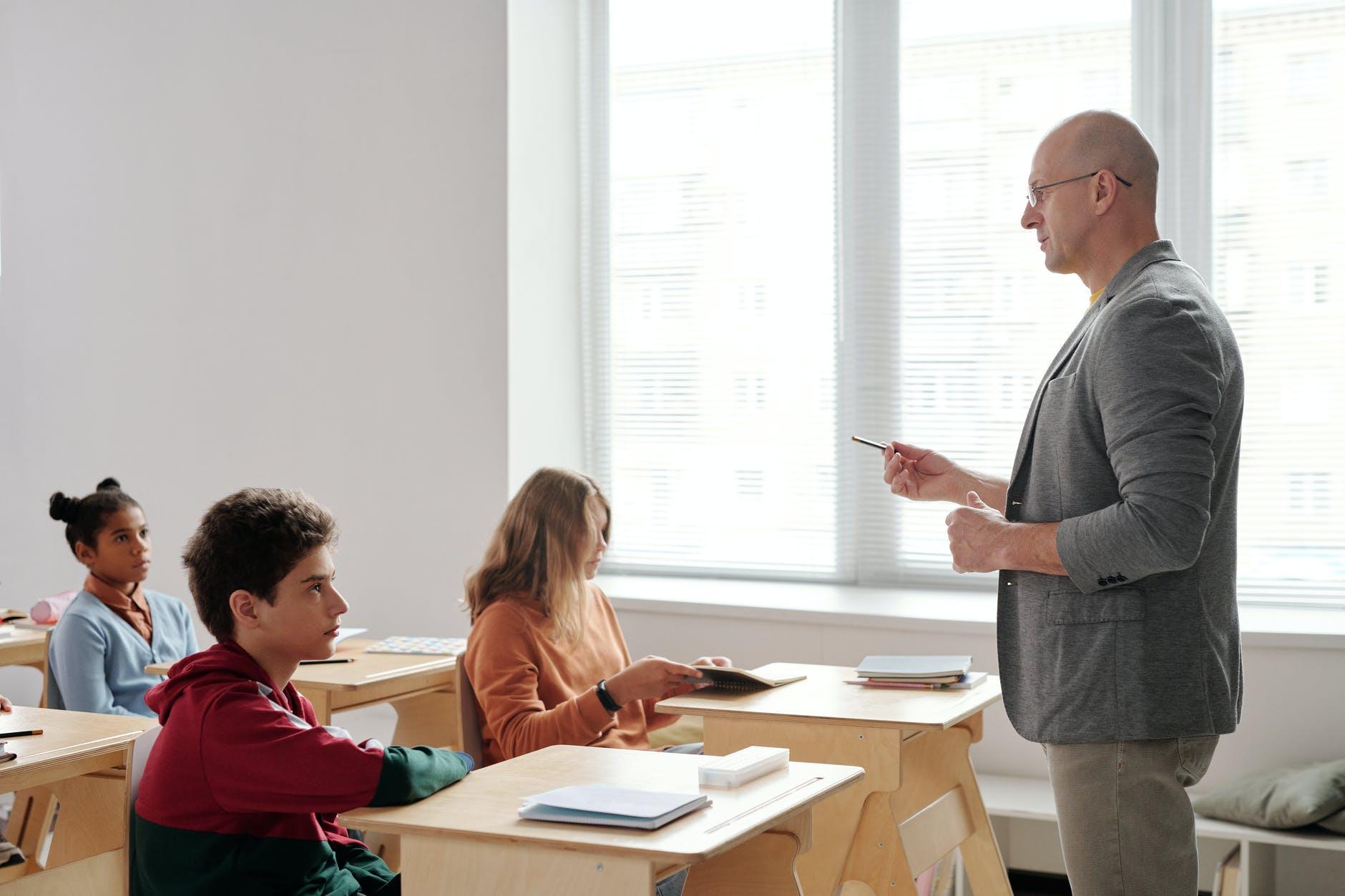 how to speak english fluently without hesitation